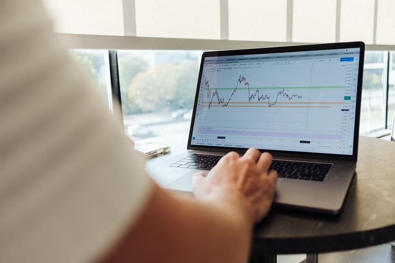 Kako kupiti dionice putem interneta uz minimalnu proviziju
